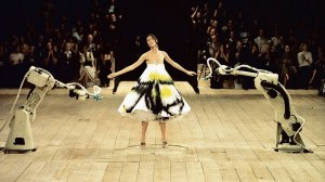 3._Spray_painted_dress_No._13_SS_1999_model_-_Shalom_Harlow._Image_-_Catwalking