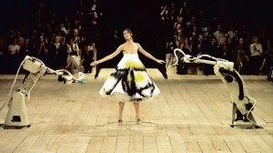 3._Spray_painted_dress_No._13_SS_1999_model_-_Shalom_Harlow._Image_-_Catwalking